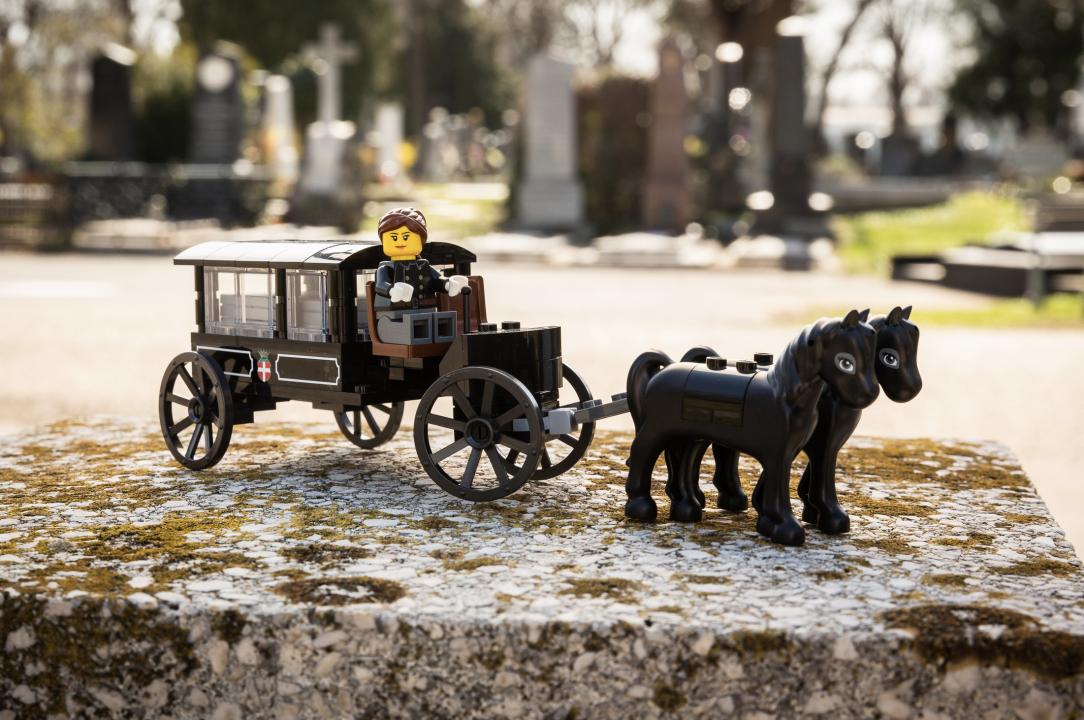 Lego Leichenkutsche Wiener Zentralfriedhof